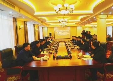 梅河口市委书记王爱明深入吉药控股集团现场办公
